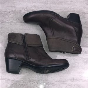 CLARKS Brown Leather Booties Size 7W